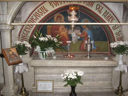 Manastirea Putna - Mormantul <a href='/biserici-si-manastiri-din-romania/68026-manastirea-sfantul-stefan-cel-mare-slanic' _fcksavedurl='/biserici-si-manastiri-din-romania/68026-manastirea-sfantul-stefan-cel-mare-slanic' title='Manastirea Sfantul Stefan cel Mare - Slanic' class='linking auto'>Sfantului Stefan cel Mare</a> si Sfant