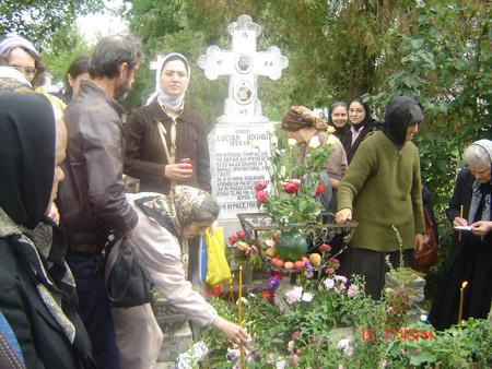 Parastas pentru Parintele Patriarh Teoctist si pentru Parintele Sofian