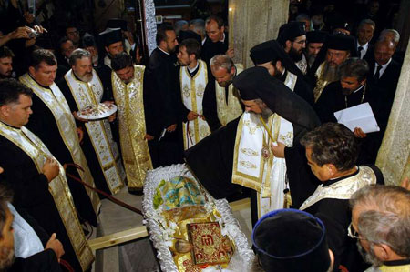 PF Teoctist a fost inmormantat dupa randuiala calugareasca