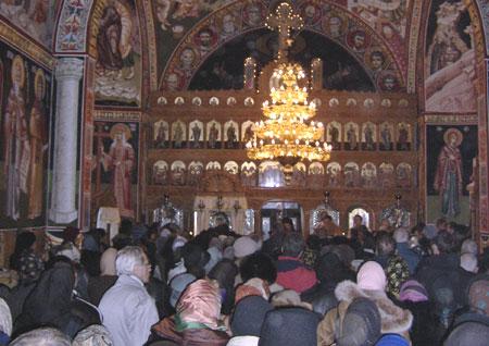 Inaintepraznuirea Sfantului Apostol Andrei - jertfa de priveghere in noaptea Sfantului Apostol Andrei