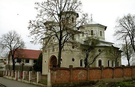http://www.crestinortodox.ro/admin/_files/newsannounce/biserica-nicolae-teius-(7a).jpg