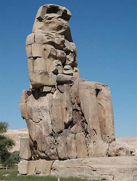 Colosul din Luxor