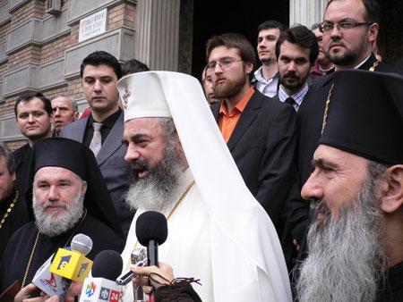 Primul episcop al Tulcei, Preasfintitul Visarion Baltat, a fost intronizat