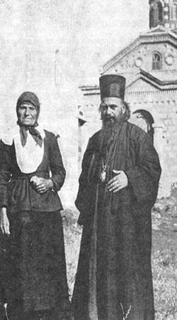 Sfantul Nicolae Velimirovici - impreuna cu mama lui, la biserica din satul natal Lelici