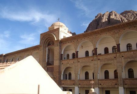 <a href='/biserica-in-lume/67452-manastirea-sfanta-ecaterina-din-muntele-sinai' _fcksavedurl='/biserica-in-lume/67452-manastirea-sfanta-ecaterina-din-muntele-sinai' title='Manastirea Sfanta Ecaterina din Muntele Sinai' class='linking auto'>Manastirea Sfanta Ecaterina - Muntele Sinai</a>