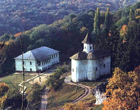 Lecţia de viaţă a monahului Pimen de la Mănăstirea Rudi