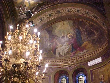 Actuala biserica a fost reconstruita si marita, intre 1904-1907, prin grija epitropilor Ion Procopie Dumitrescu, Ionita Filipescu si preot Chiriac Bidoianu, in zilele Mitropolitului primat Iosif Gheorghian, arhitect fiind Dimitrie Maimarolu (1859-1926), iar arh. Paul Petricu a supravegheat executia lucrarilor. Pictura a fost realizata de Costin Petrescu, iar mobilierul de catre C. Babic. Din 1925 biserica a primit si hramul Sf. Silvestru.