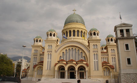Biserica din Patra - <a href='/biserici-si-manastiri-din-romania/67904-manastirea-pestera-sfantului-apostol-andrei' _fcksavedurl='/biserici-si-manastiri-din-romania/67904-manastirea-pestera-sfantului-apostol-andrei' title='Manastirea Pestera Sfantului Apostol Andrei' class='linking auto'>Sfantul Apostol Andrei</a>