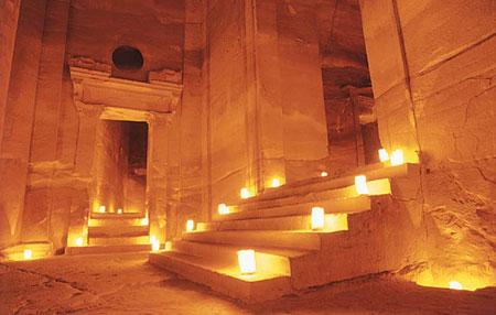 Petra - orasul de piatra din pustiul Iordaniei