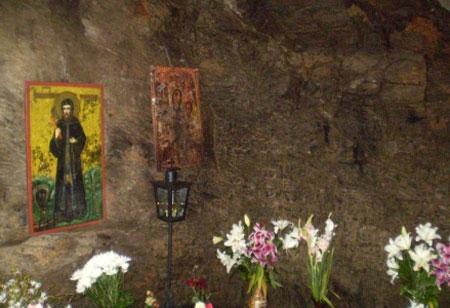 Manastirea Prislop - Pestera Sfantului Ioan de la Prislop
