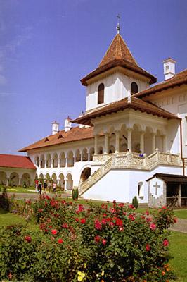 <a href='/biserici-si-manastiri-din-romania/67949-manastirea-brancoveanu-sambata-de-sus' _fcksavedurl='/biserici-si-manastiri-din-romania/67949-manastirea-brancoveanu-sambata-de-sus' title='Manastirea Brancoveanu - Sambata de Sus' class='linking auto'>Manastirea Brancoveanu - Sambata</a> de Sus