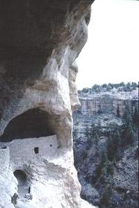 Manastirea rupestra Tipova