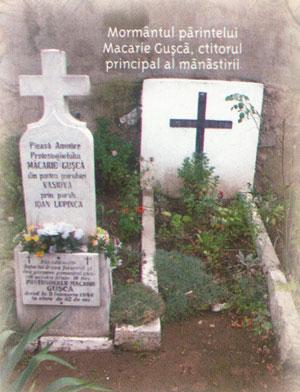 Mormantul parintelui Macarie Gusca