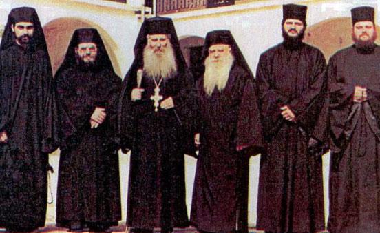 Parintele Iacov Tsalikis si monahi din obstea Manastirii Cuviosului David