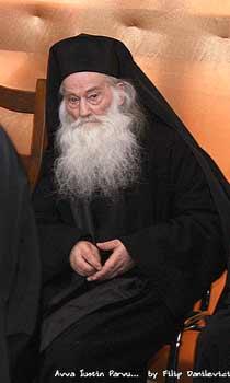 Parintele Arhimandrit Iustin Parvu de la Manastirea Petru Voda