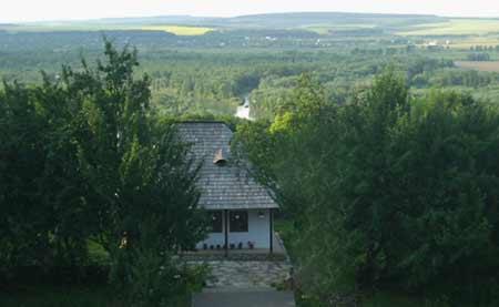 Crainiceni - casa Sfantului Ioan Iacob de la Neamt