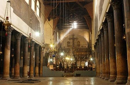 Pestera din Betleem - Biserica