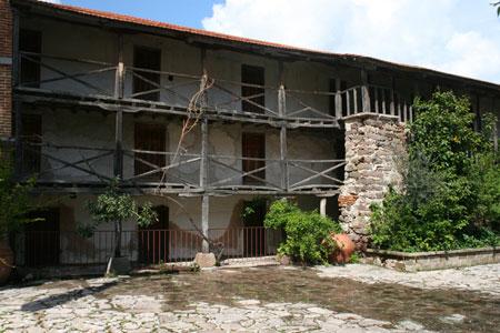 Manastirea Leimonos - chiliile cele vechi