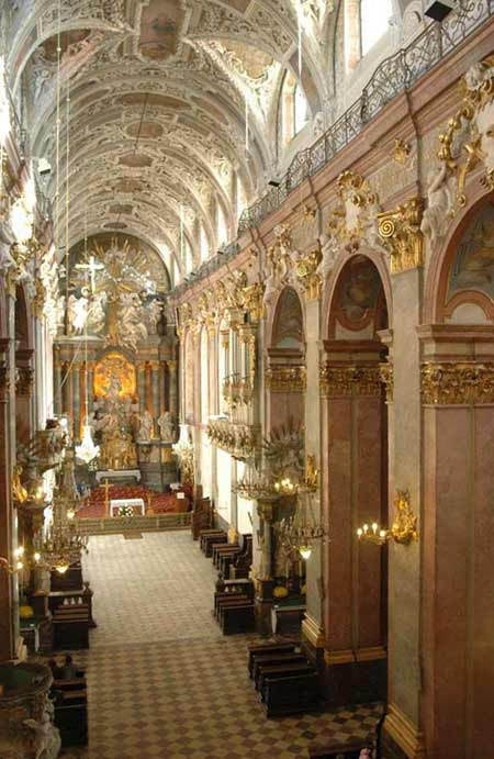 Manastirea Jasna Gora - Icoana Maicii Domnului