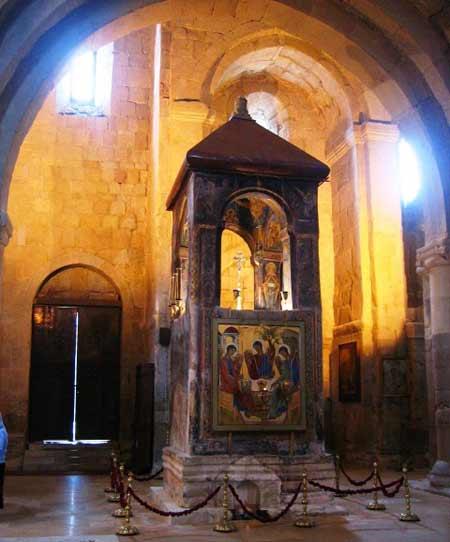 Catedrala din Georgia - Paraclisul cu Camasa lui Hristos