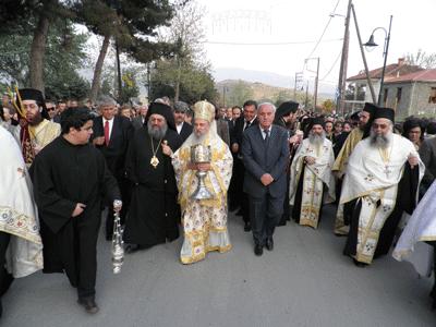 Moastele Sfantului Apostol Toma purtate in procesiune