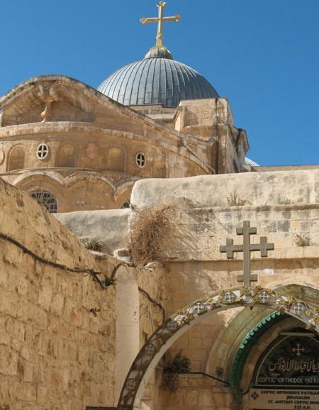 Drumul Crucii - Via Dolorosa - IX - A treia cadere la pamant a Mantuitorului (se vede Biserica Sfantului Mormant)