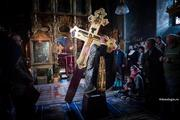 Ranit din dragoste de Cruce
