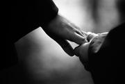 A consola inseamna a-l ajuta pe om sa sufere