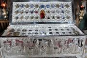 Alaturi de Sfanta Parascheva, iesenii se pot inchina unor fragmente din moastele a inca 32 de sfinti