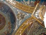 Din peretii Bisericii Sf. Nicolae izvoraste mir
